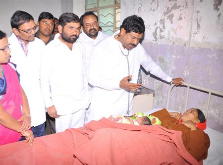 Health Minister DR Rajaiah inspect Bellampalli Govt Hospital