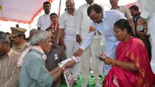KCR in Giriprasad nagar,warangal visit07