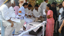 KCR received petiions from public (1)