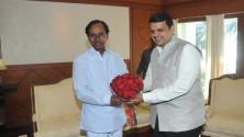 CM-KCR-meeting-with-Maharashtra-CM-fadnavis