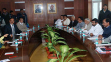 KCR-and-Team-with-Minister-for-Environment-and-Forests-Prakash-Javadekar