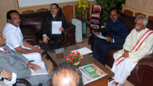 KCR-and-team-met-union-minister-Nadda