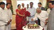 KCR-birthday-celebrations-in-Rajbhavan,-Mumbai