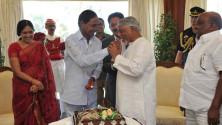 KCR-birthday-celebrations-in-Rajbhavan,-Mumbai08