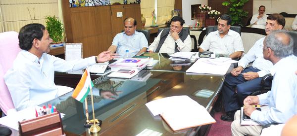 CM KCR met with Neethi Aayog memebers