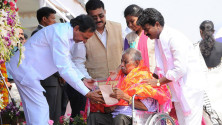 CM KCR in parade grounds on the occassion of Telangana formation day (24)