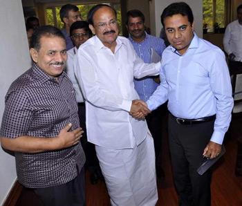 KTR-with-Union-Minister-Venkaiah-naidu