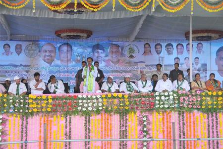 CM KCR addressing in Harithaharam programme in Mancherial