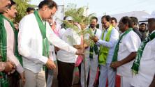CM KCR in Harithaharam programme at peddapalli (1)
