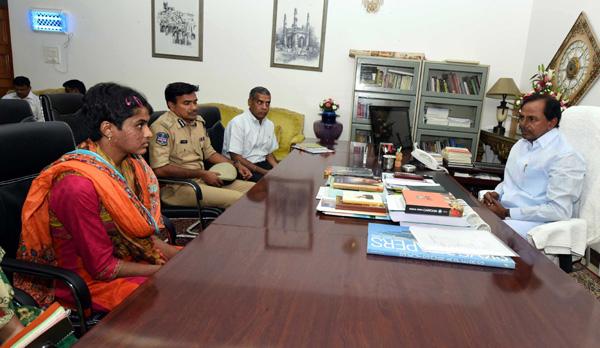 CM KCR invited pratyusha to his home