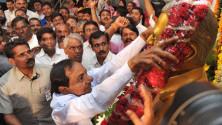 CM KCR pays floral tributes to Jayashankar sir003