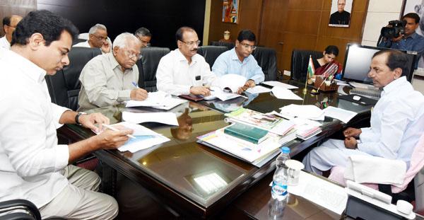 KCR review meet on progress of water grid project