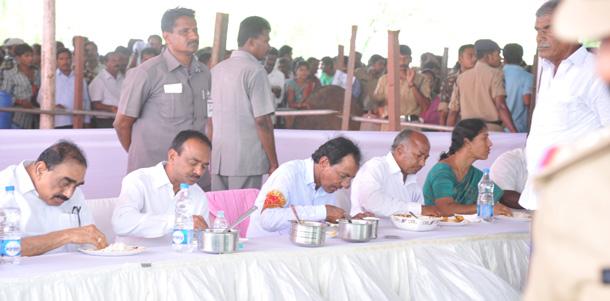KCR takes part in Gramajyothi programme at Chinna Malkapur of Karimnagar district