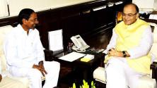 CM KCR met Union Minister for Finance Sri Arun Jaitley (3)