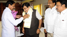 CM KCR met Union Minister for Roadways and Highways Nithin Gadkari (1)