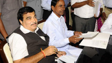 CM KCR met Union Minister for Roadways and Highways Nithin Gadkari (4)