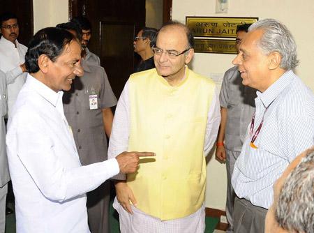 CM-KCR-with-Arun-Jaitley