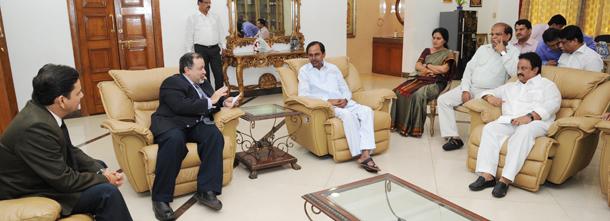 CM KCR with P&G Delegates (1)