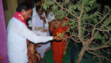 KCR laid foundation stone for double bedroom house scheme at Erravelli and Narsannapet (2)