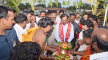 KCR laid foundation stone for double bedroom house scheme at Erravelli and Narsannapet (5)