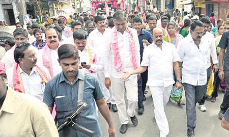 Harish-Rao-election-campaign-in-warangal-west01
