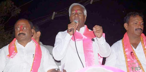 Kadiam Srihari election campaign in Sangem Mandal