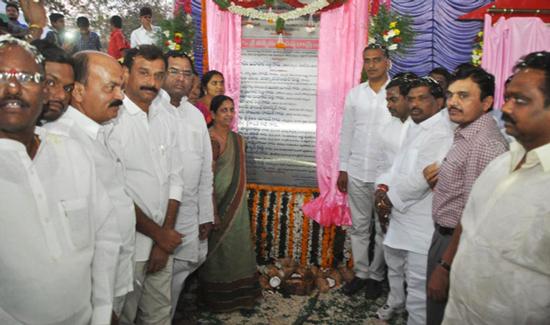 Harish-Rao-laid-foundation-stone-for-development-works
