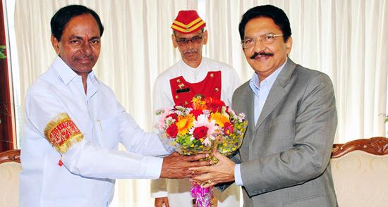 CM-KCR-with-Maharahtra-Governor-Vidyasagar-Rao
