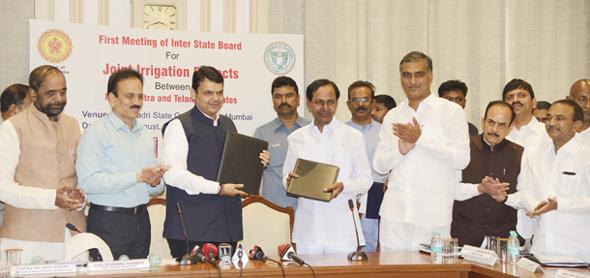 CM-KCR-with-Maharashtra-CM-Devendra-fadnavis